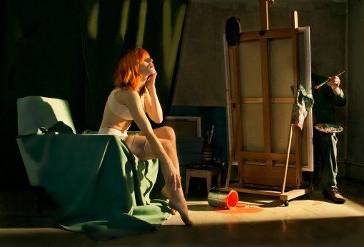 Redhead Kunstpostkarte mit erotischer rothaarigen Frau