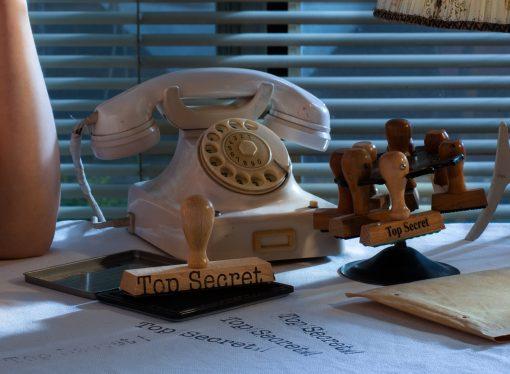Telefon mit Wählscheibe und Stempelkarusell aus den 50er Jahren.