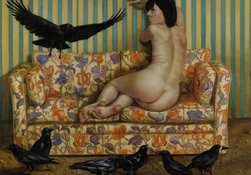 Auf diesem Gemälde wird eine nackte Frau auf einem Sofa von Raben bedrängt